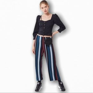 🎁 Urban Outfitters cropped wide leg pants